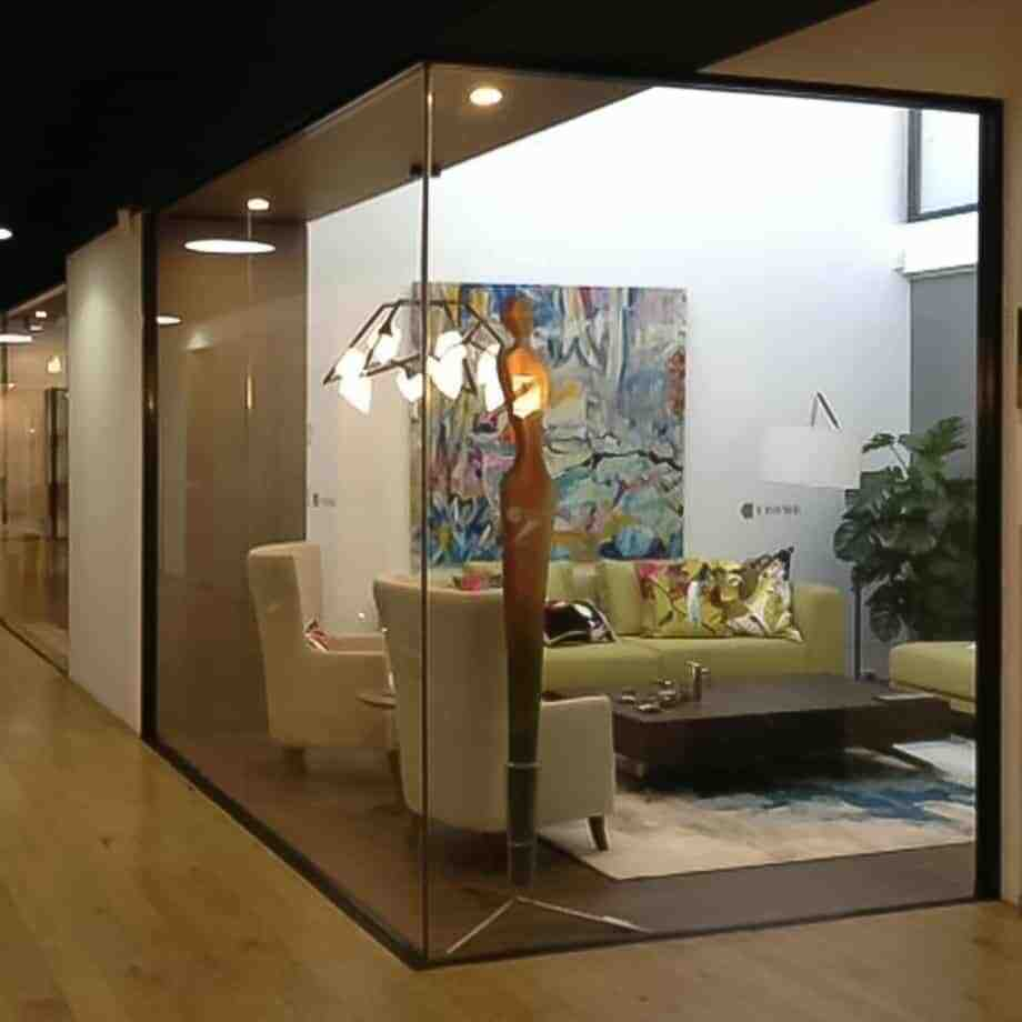 Athena-2m---CAST-GLASS-[free-standing,Glass,figurative]-Sallie-Portnoy-australian-sculpture-large-glass-figures