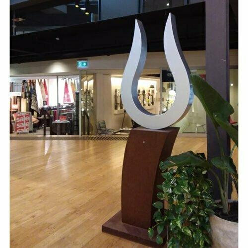 Curly-licks-Painted-Steel-[outdoor,free-standing,stainless-steel]-garden-sculpture-jason-aslin-australian-sculpture