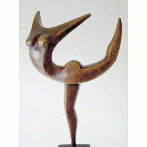 Leap58cm--BRONZE-[tabletop,bronze,figurative]michael-vaynman-sculpture-australian-female-figure-bronze-art