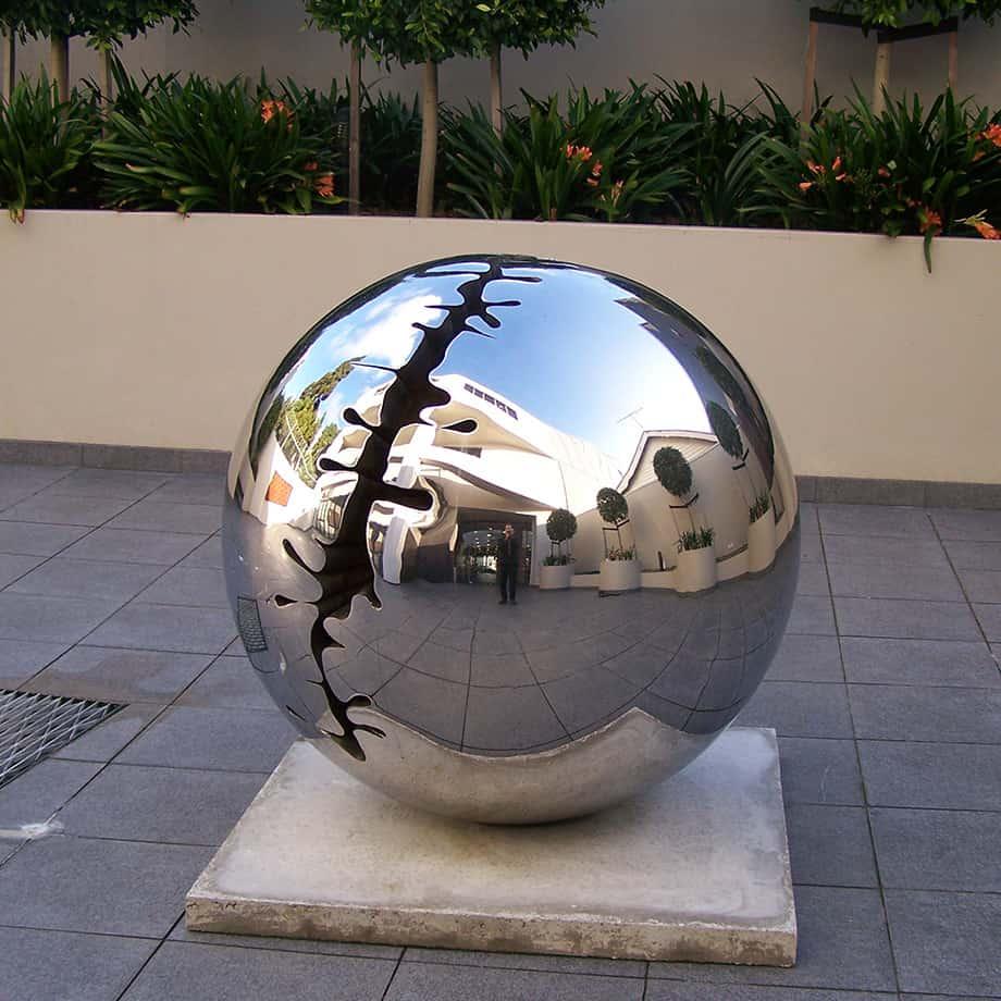 Nice-Round-Figure-120cm-STAINLESS-STEEL-INDUSTRIAL-COATING-[stainless-steel,-free-standing,outdoor]david-mcCracken-sphere-sculpture-australian-artist
