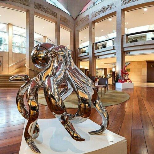 Octopus-Giant--110cm--stainless-steel-animal-sculpture,-outdoor-garden-art,-indoor-sculpture