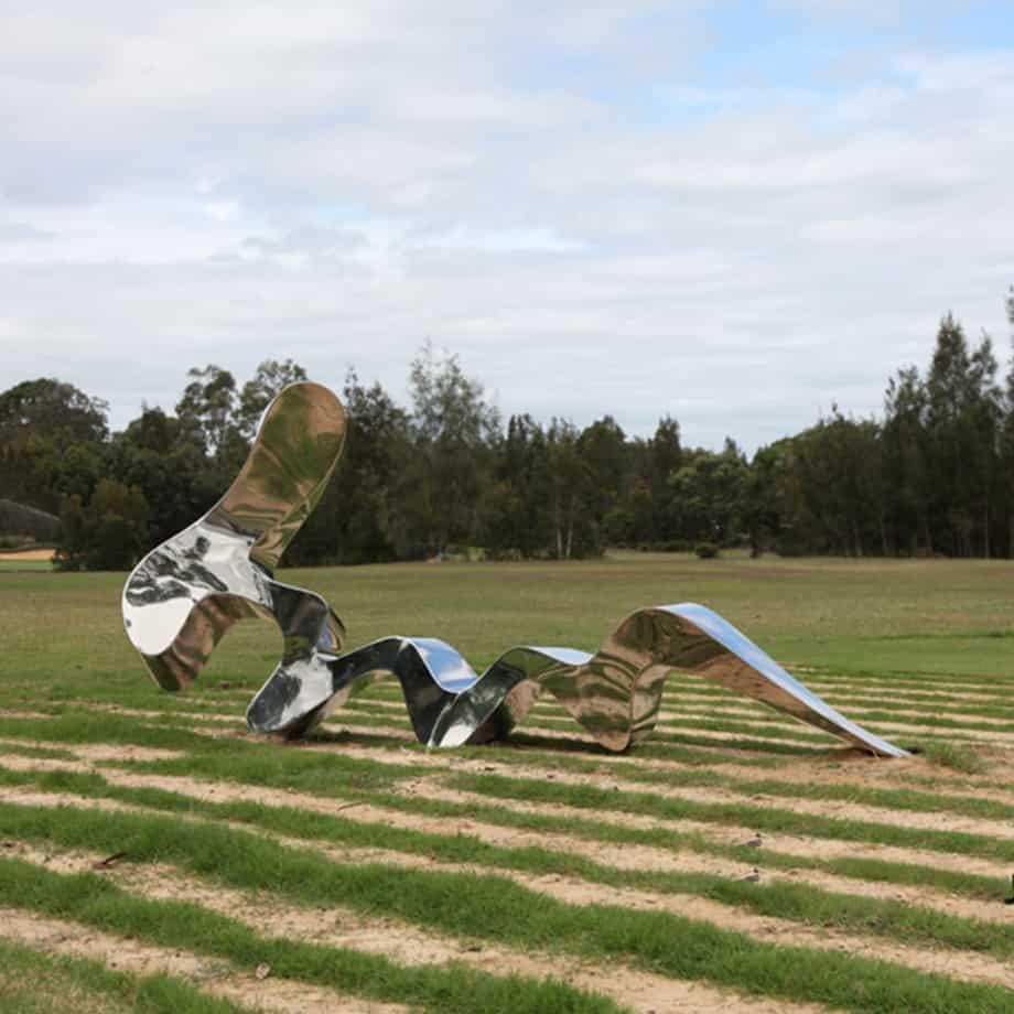Screwed-Up-vertical-320cm--FABRICATED-POLISHED-STAINLE-[Outdoor,-stainless-steel,-landmark]-John-fitzmaurice-original-australian-garden-sculptureScrewed-Up-vertical-320cm--FABRICATED-POLISHED-STAINLE-[Outdoor,-stainless-steel,-landmark]-John-fitzmaurice-original-australian-garden-sculpture
