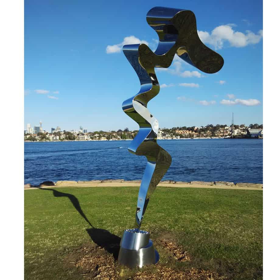 Screwed-Up-vertical-320cm--FABRICATED-POLISHED-STAINLE-[Outdoor,-stainless-steel,-landmark]-John-fitzmaurice-original-australian-garden-sculpture