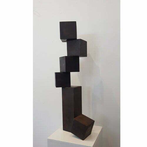 Small-Cubestack-72cm-CORTEN-STEEL-[Corten,outdoor-tabletop]-alex-shiebner-australian-sculpture-geometric-garden-art-cube-balance-gravity-motif