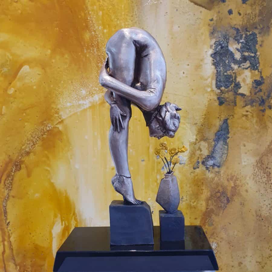 The-Florist-50x26x16cm-glassborrow-bronze-figurative-female-sculpture